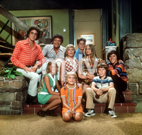"""The Brady Bunch""Barry Williams, Robert Reed, Eve Plumb, Florence Henderson, Susan Olsen, Ann B. Davis, Maureen McCormick, Christopher Knight, Mike Lookinland1974Photo by Bud Gray  - Image 5421_0003"