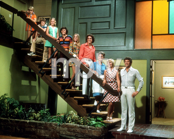 """Brady Bunch, The""S. Olsen, M. Lookinland, E. Plumb, C. Knight,M. McCormick, B. Williams, A. Davis, R. Reed, F. Henderson1974 ABCPhoto by Bud GrayMPTV - Image 5421_0018"