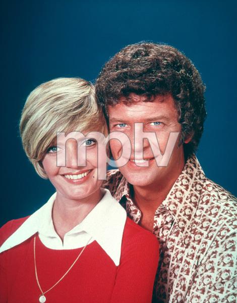 """Brady Bunch, The""Florence Henderson, Robert ReedC. 1977 ABC**H.L.MPTV - Image 5421_0044"
