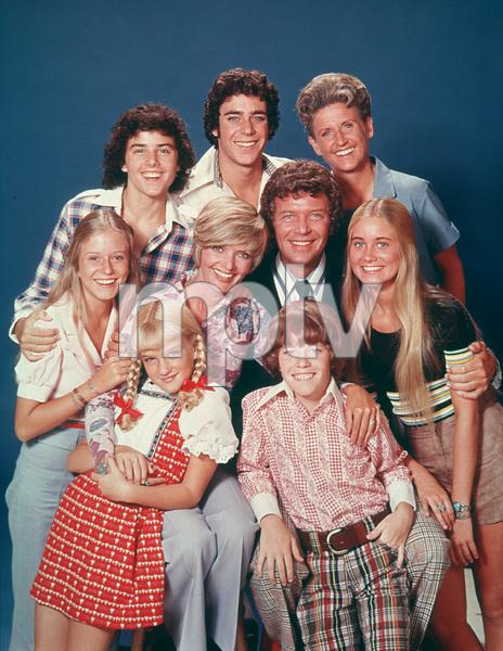 """Brady Bunch""Florence Henderson, Susan Olsen, Eve Plumb,Christopher Knight, Barry Williams, Ann B. Davis,Robert Reed, Maureen McCormick, Mike LookinlandC. 1977 ABC**H.L.MPTV - Image 5421_0045"