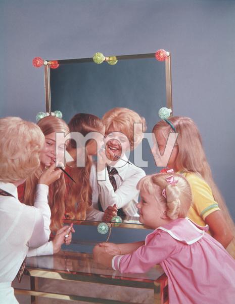 """The Brady Bunch""                                                        Florence Henderson,Maureen McCormick,                       Eve Plumb,Susan OlsenMaureen McCormickCirca 1971 **I.V. - Image 5421_0080"