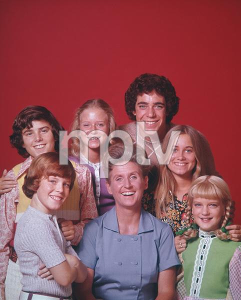 """The Brady Bunch""                                                        Christopher Knight, Mike Lookinland, Eve Plumb, Ann B. Davis, Barry Williams, Maureen McCormick, Susan Olsencirca 1971** I.V. - Image 5421_0082"