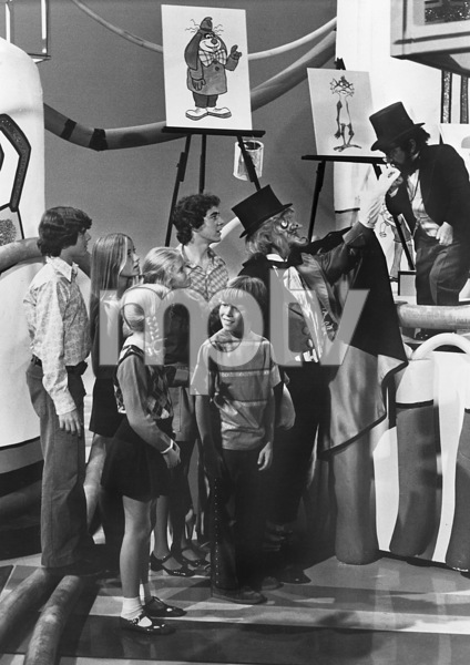 """The Brady Bunch""Maureen McCormick, Barry Williams, Eve Plumb, Susan Olsen, Mike Lookinland and Christopher Knightcirca 1972 ABC**I.V. - Image 5421_0089"