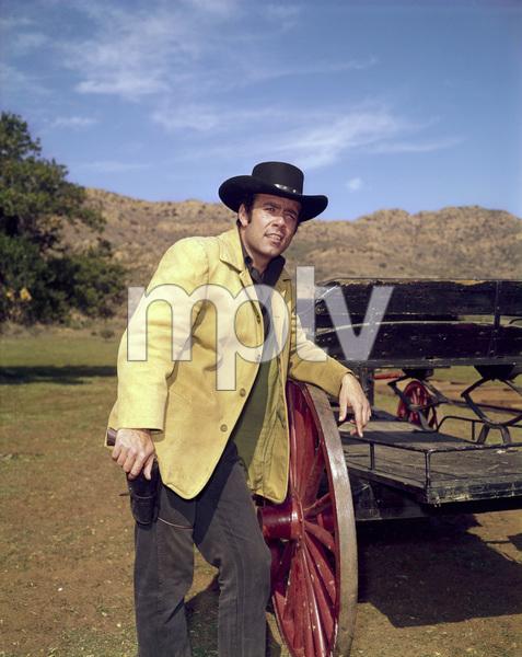 """""""Bonanza""""Pernell Robertscirca 1961** H.L. - Image 5424_0080"""