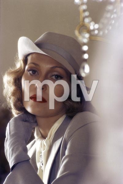 "Faye Dunaway in ""Chinatown""1974** I.V. - Image 5435_0139"