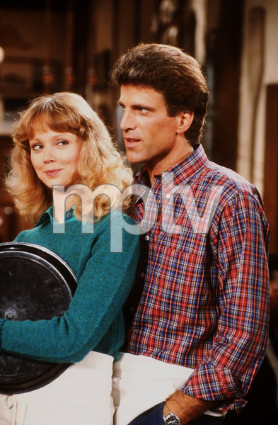 """Cheers""Shelley Long, Ted Danson1984 NBCPhoto by Marv NewtonMPTV - Image 5467_0018"