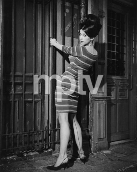 """Irma la Douce""Sheryl Deauville1963 United Artists © 1978 Leo Fuchs** Sheryl Deauville Collection - Image 5497_0074"
