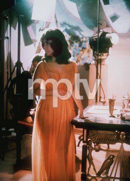 """Cleopatra""Elizabeth Taylor1963 20th Century FoxMPTV - Image 5589_0016"