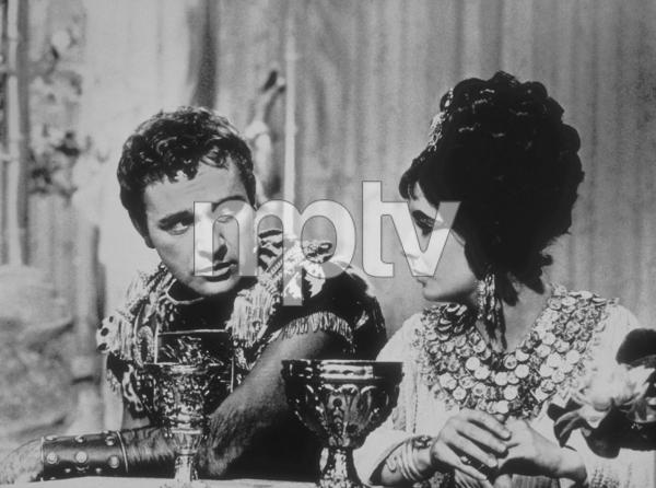 """Cleopatra""Elizabeth Taylor, Richard Burton1963 20th Century Fox**R.C.MPTV - Image 5589_0023"
