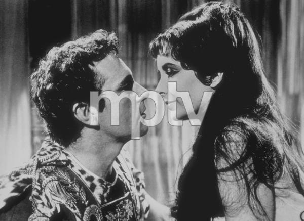 """Cleopatra""Elizabeth Taylor, Richard Burton1963 20th Century Fox**R.C.MPTV - Image 5589_0024"