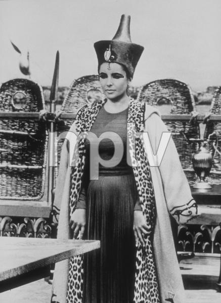 """Cleopatra""Elizabeth Taylor1963 20th Century Fox**R.C.MPTV - Image 5589_0026"