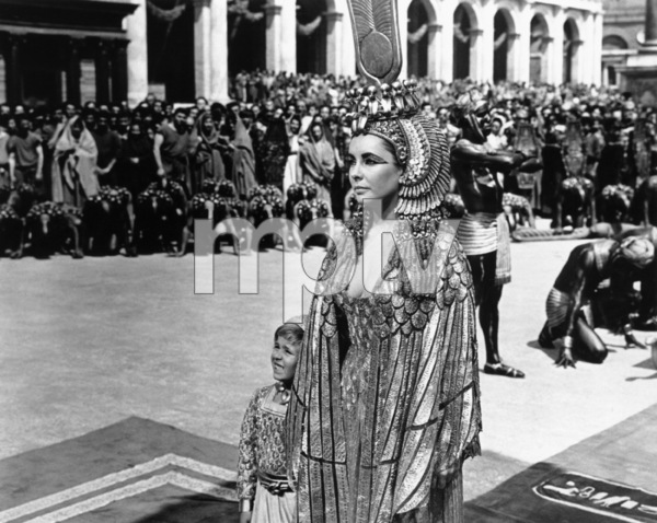 """Cleopatra""Elizabeth Taylor1963 20th Century Fox** R.C. - Image 5589_0027"