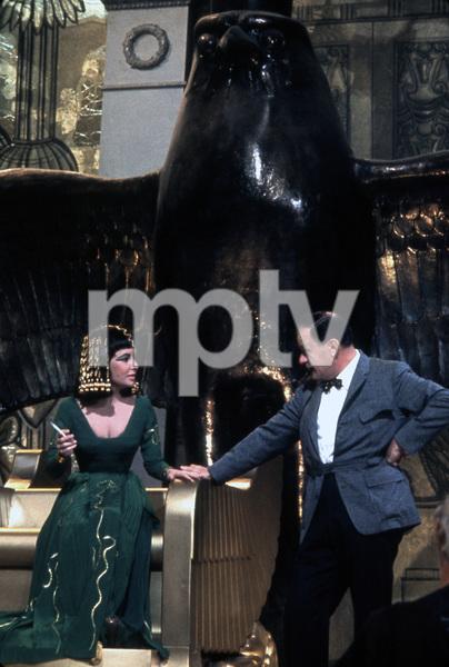 """Cleopatra""Elizabeth Taylor, Joseph L. Mankiewicz1963 20th Century Fox** I.V. - Image 5589_0071"