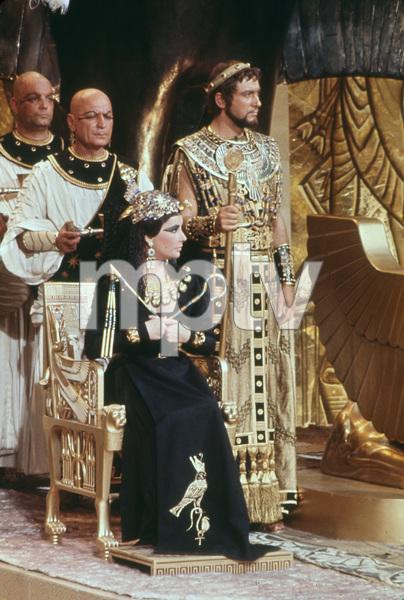 """Cleopatra""Elizabeth Taylor1963 20th Century Fox** I.V. - Image 5589_0072"