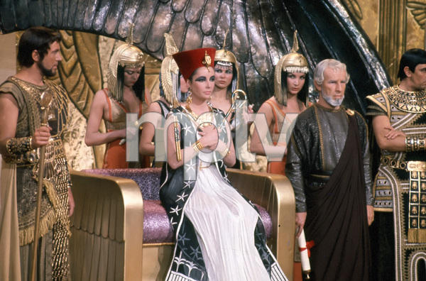 """Cleopatra""Elizabeth Taylor, Hume Cronyn1963 20th Century Fox** I.V. - Image 5589_0073"