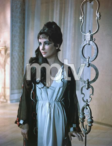 """Cleopatra""Elizabeth Taylor1963 20th Century Fox** I.V. - Image 5589_0075"