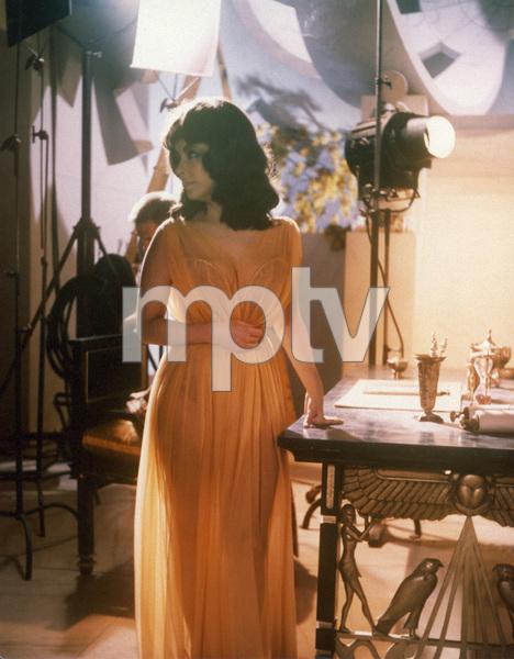 """Cleopatra""Elizabeth Taylor1963 20th Century Fox** I.V. - Image 5589_0081"