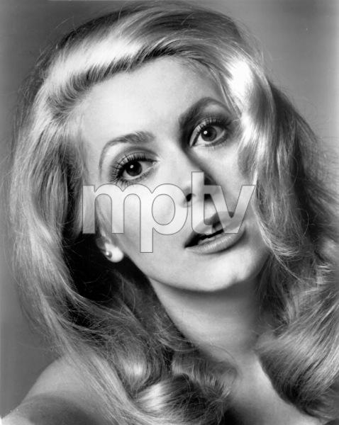 Catherine Deneuve, 1969.**I.V. - Image 5638_0003