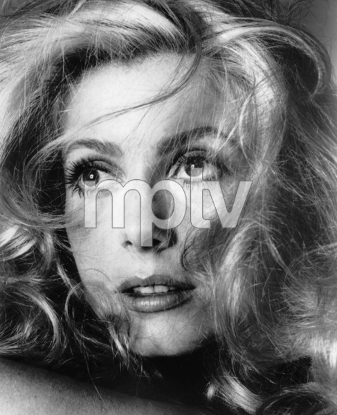 Catherine Deneuve, 1969.**I.V. - Image 5638_0004