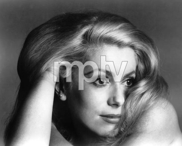 Catherine Deneuve, 1969.**I.V. - Image 5638_0006