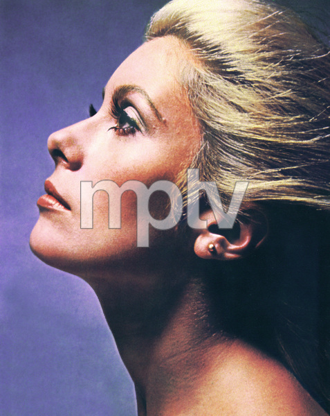 Catherine Deneuve1970**I.V. - Image 5638_0014