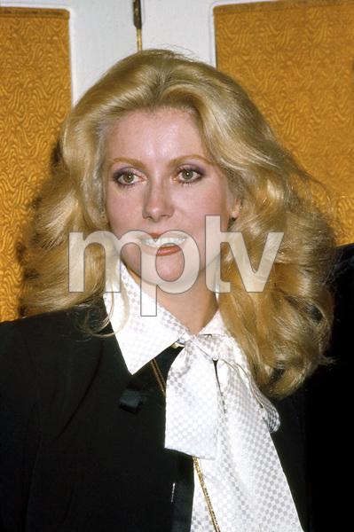 Catherine Deneuve, 1974 in USA to film HUSTLE, I.V. - Image 5638_0015