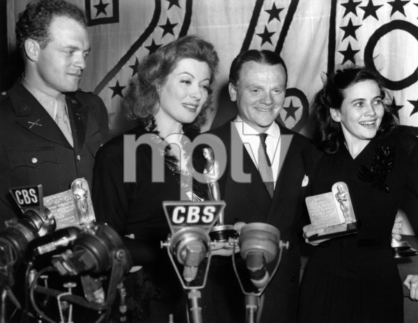 Teresa Wright (far right) with (left to right) Van Heflin, Greer Garson and James Cagney as they all hold the Motion Picture Academy