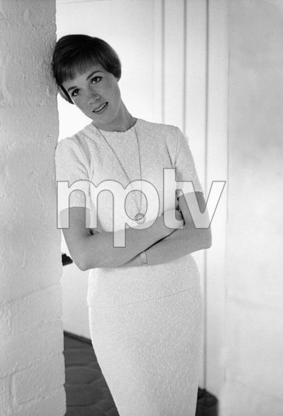 Julie Andrewscirca 1964 © 1978 Gunther - Image 5722_0120