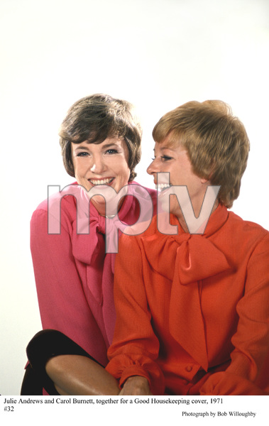Julie Andrews with Carol Burnettbeing photographed for