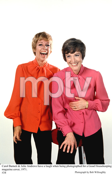 Julie Andrews with Carol Burnett, being photographed for
