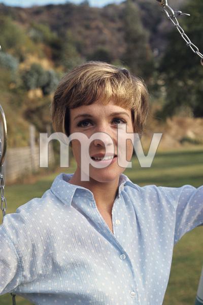Julie Andrews1967 © 1978 Gunther - Image 5722_0184