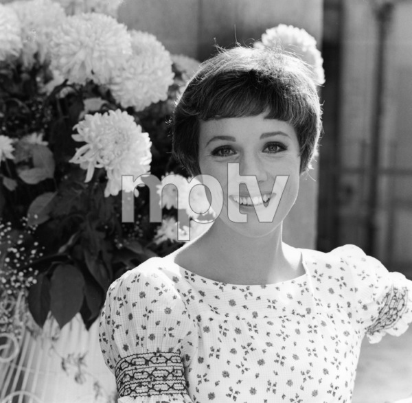 Julie Andrewscirca 1969** I.V. - Image 5722_0206