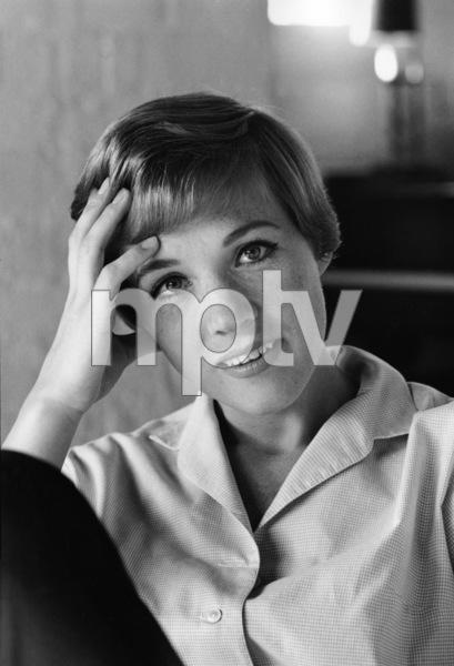 Julie Andrews1966© 1978 Gene Trindl - Image 5722_0207