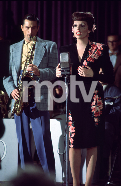 """New York, New York""Robert De Niro and Liza Minnelli. © 1977 UA/Chartoff-WinklerPhoto by Bruce McBroom - Image 5810_0030"