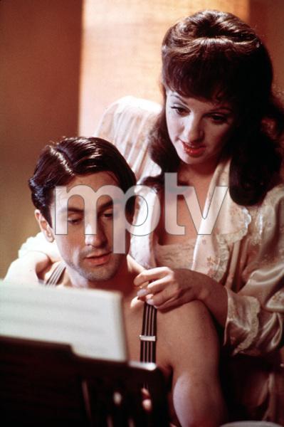 """New York, New York""Robert De Niro and Liza Minnelli.1977/UA/Chartoff-Winkler © 1978 Bruce McBroom - Image 5810_0050"