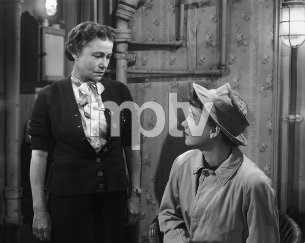 """""""All About Eve""""Thelma Ritter, Anne Baxter1950 20th Century Fox** I.V. - Image 5956_0054"""