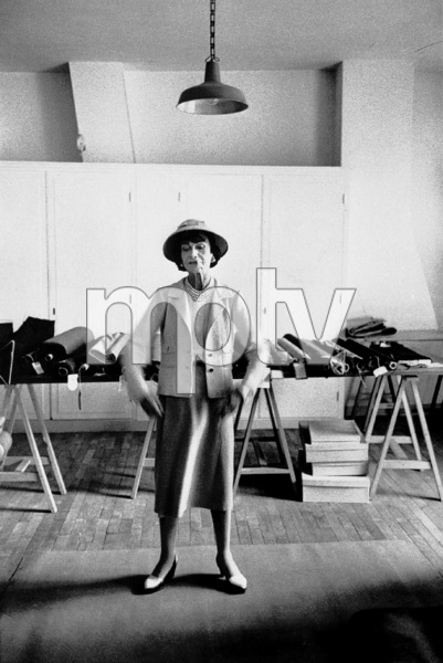 Coco Chanel in her Paris studio 1956 © 2000 Mark Shaw - Image 5970_0017