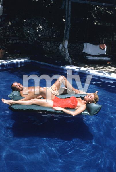 Noel Coward with Mary Martin1955 © 2001 Mark Shaw - Image 5973_0012