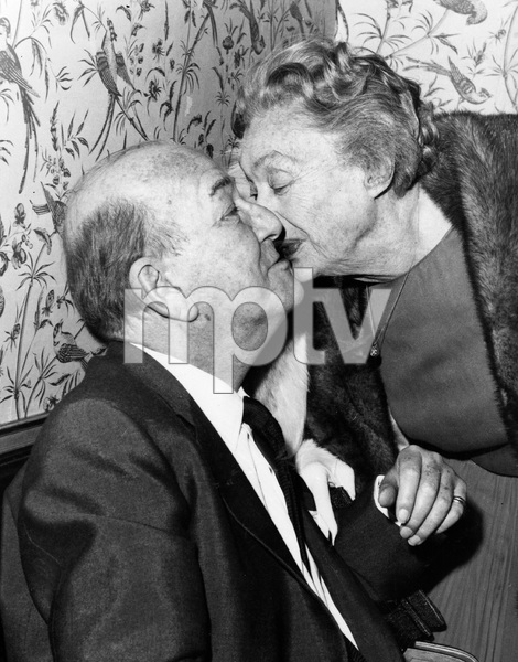 Katharine Cornell and Noel Coward at a revival of his PRIVATE LIVES starring Tammy Grimes and Brian Bedford, 1970 - Image 5973_0016