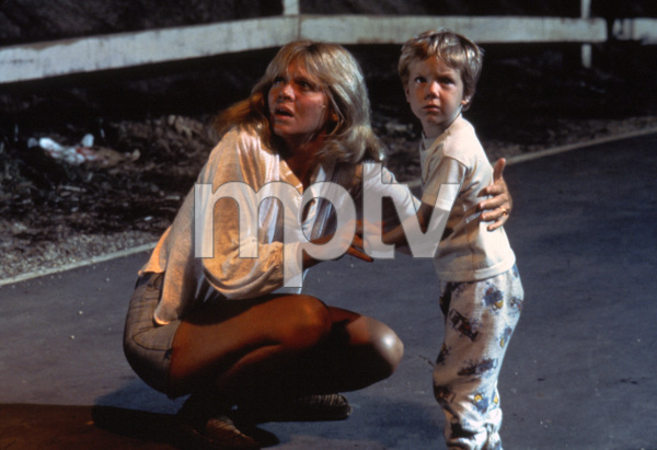 """Close Encounters of the Third Kind""Melinda Dillon, Cary Guffey © 1977 Columbia - Image 6001_0016"