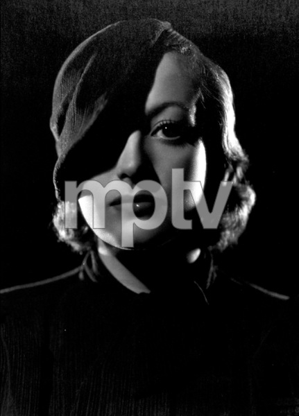 Joan CrawfordToday We Live (1933)Photo by George Hurrell - Image 6099_0002