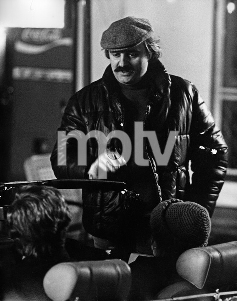 """Fun with Dick and Jane""Director Ted Kotcheff1977 Columbia PicturesPhoto by Mel Traxel - Image 6432_0016"