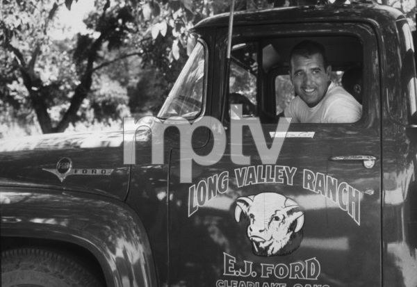 Tennesse Ernie Ford in his Ford F-500 pick-up, 1957. © 1978 Sid Avery - Image 64_92