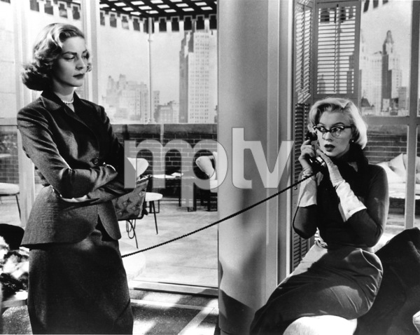"""""""How To Marry A Millionaire""""Lauren Bacall, Marilyn Monroe1953 / 20th Century Fox**R.C. - Image 6497_0002"""