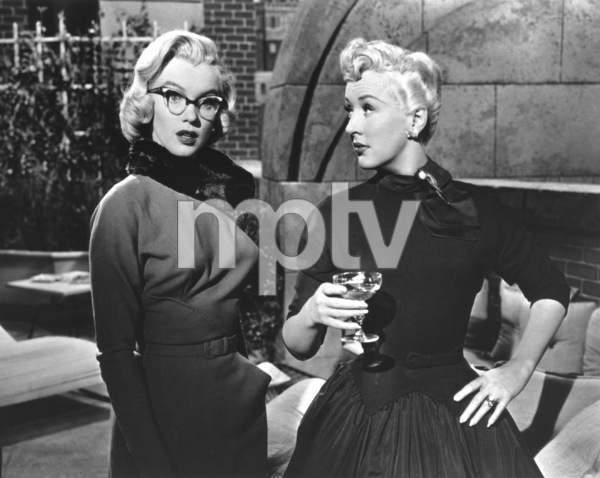 """""""How To Marry A Millionaire""""Marilyn Monroe, Betty Grable1953 / 20th Century Fox**R.C. - Image 6497_0015"""
