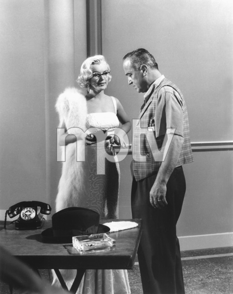 """""""How To Marry A Millionaire""""Marilyn Monroe with Dir. Jean Negulesco1953 / 20th Century Fox**R.C. - Image 6497_0021"""