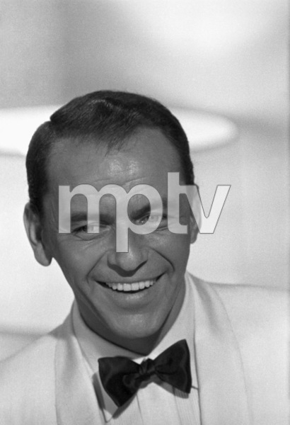 """Frank Sinatra during the filming of """"A Hole in the Head""""1959 United Artists** I.V. - Image 6500_0002"""