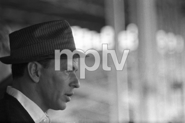 """Frank Sinatra during the filming of """"A Hole in the Head""""1959 United Artists** I.V. - Image 6500_0004"""