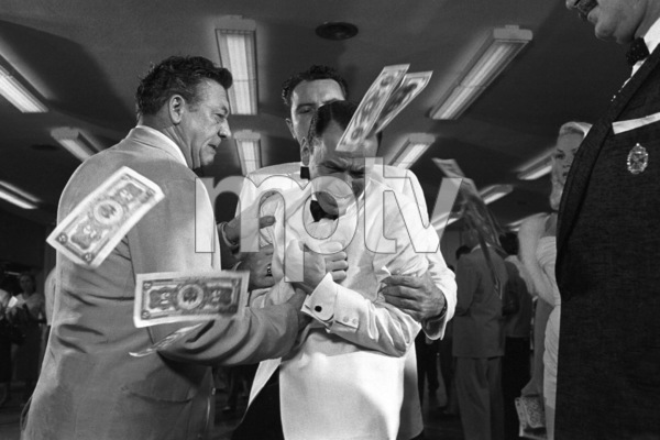 "Frank Sinatra during the filming of ""A Hole in the Head""1959 United Artists** I.V. - Image 6500_0006"