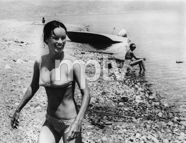 "Geraldine Chaplin as she takes a break from shooting ""Carlos"" in Israel1971 - Image 6614_0014"